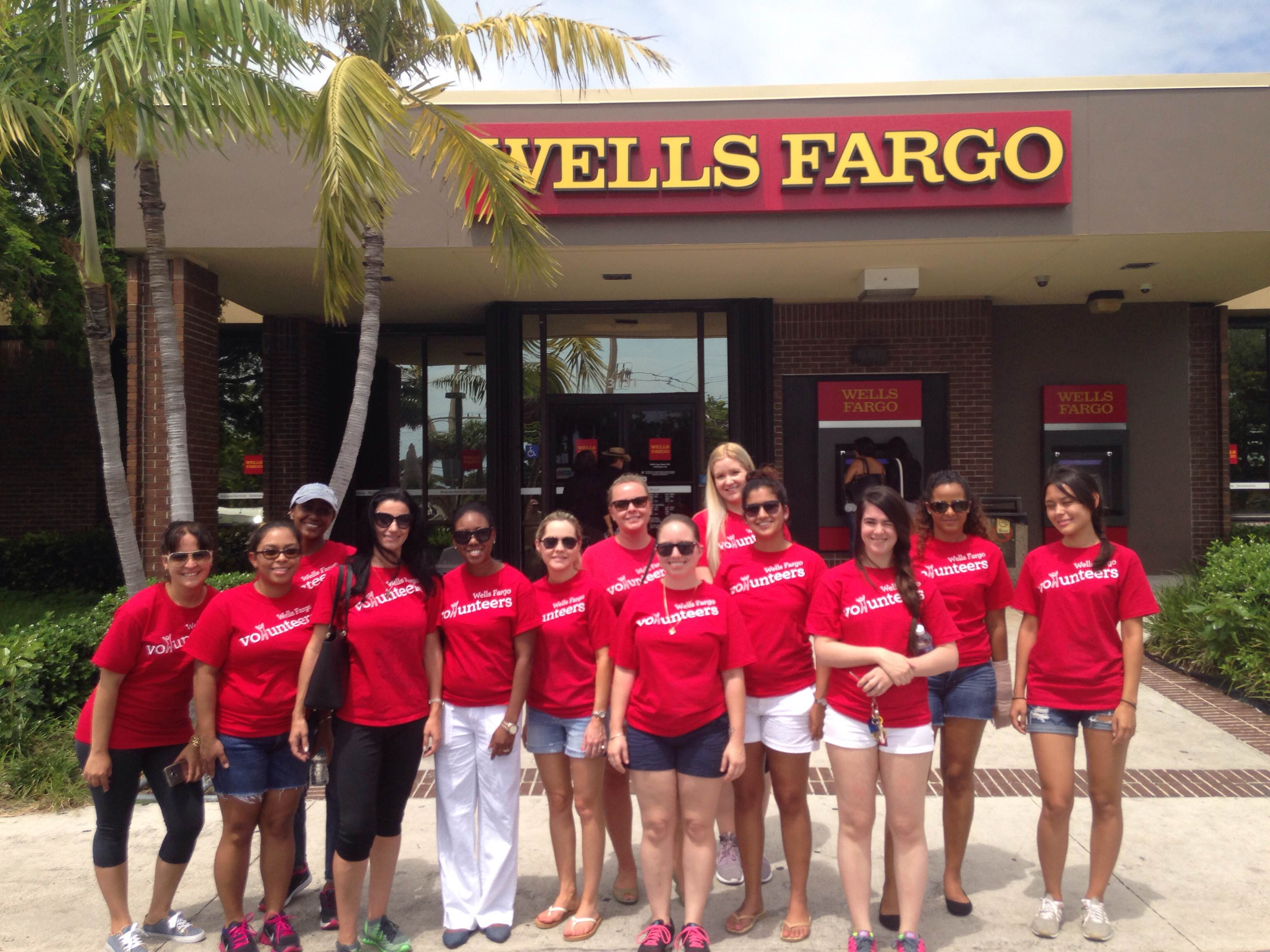 Thank you to the Wells Fargo volunteers!